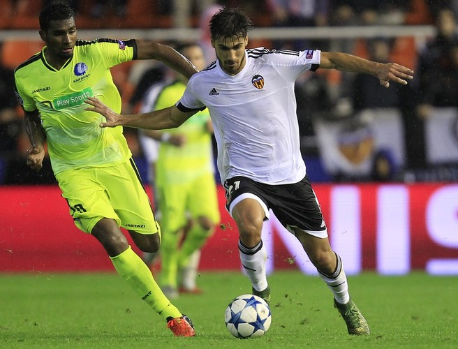 Manchester United reportedly bid for Andre Gomes from Valencia