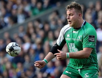 Finlay Bealham signs a new contract with Connacht