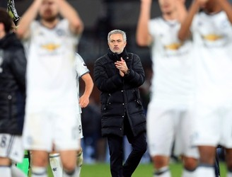 """It is Christmas time:"" Jose Mourinho reveals he encouraged his players to hand out shirts to fans"