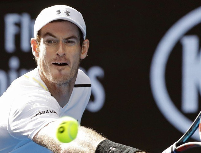 Andy Murray advances to round four of the Australian Open